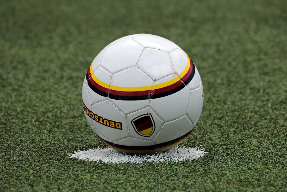 football-3471371_1920